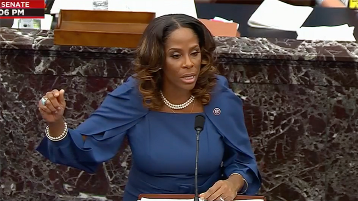 'Destroy the GOP': Delegate Stacey Plaskett shows Trump supporters' rally threats to make the case for impeachment