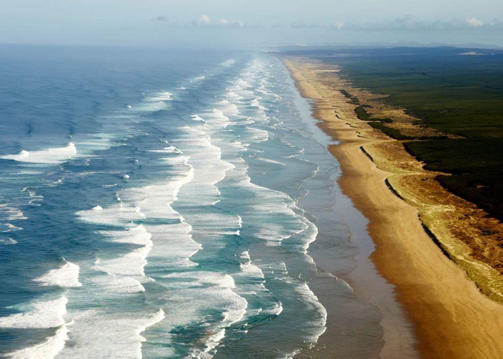 New Zealand cancels tsunami alert following large quakes