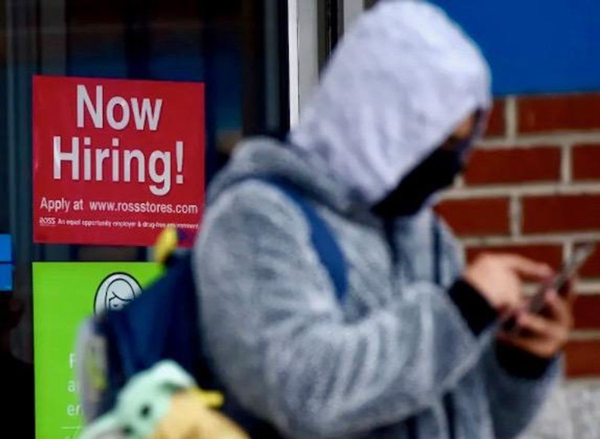 New US jobless claims drop below 700,000, 1st time since pandemic