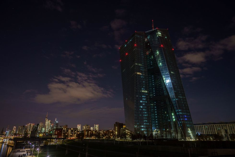 People around the world switch off lights for Earth Hour
