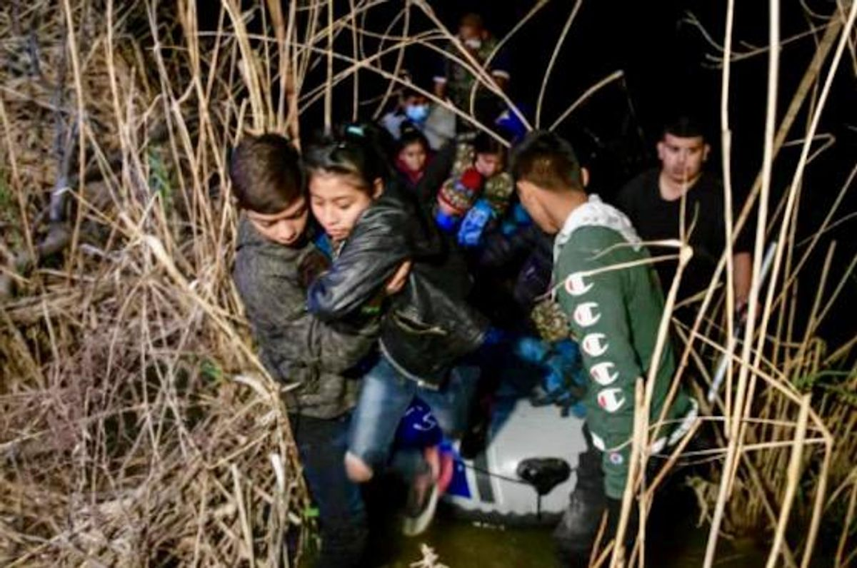 Border agents, traffickers and migrants mix on the busy Rio Grande