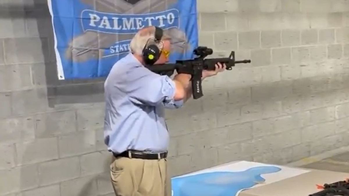 WATCH: Lindsey Graham does photo-op with AR-15 to push assault weapon ownership