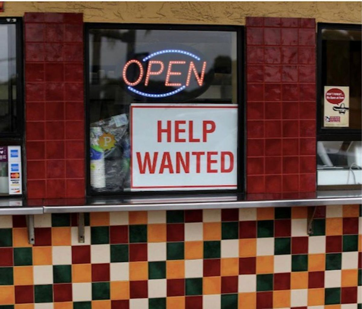 US recovery picks up speed as employment surges 916,000 in March