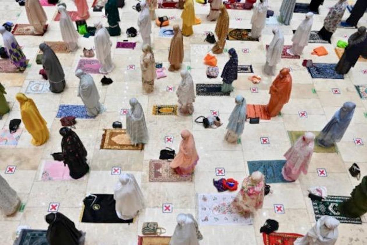 Muslims start Ramadan under the shadow of the coronavirus