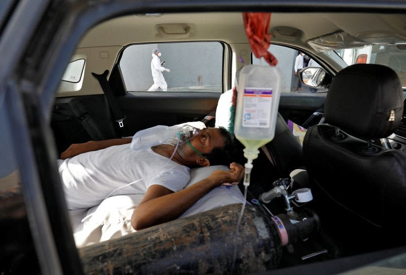 India records more than 2,000 Covid deaths in 24 hours; daily spike of nearly 3 lakh new cases
