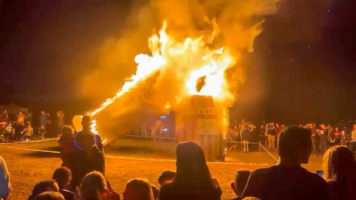 'Medical tyranny': Utah ex-cop narrates video of giant vaccine needle burning in effigy