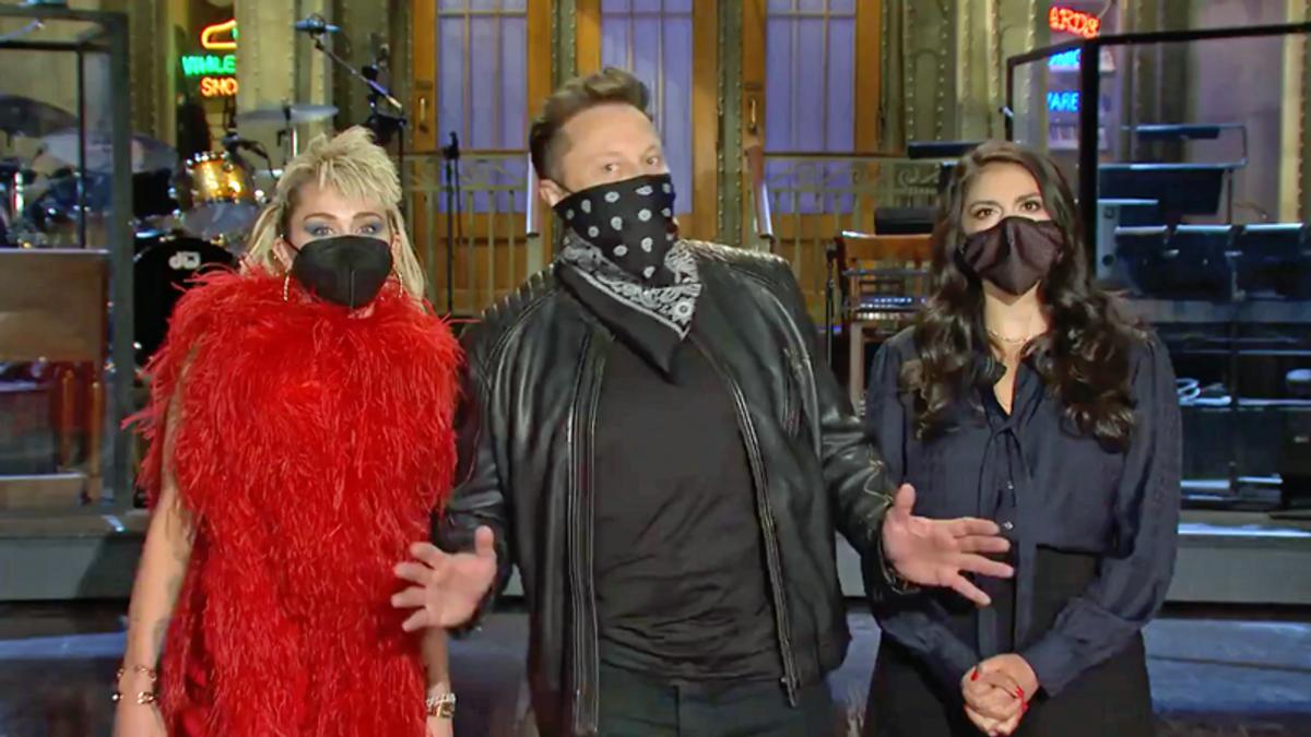 Robert Reich labels SNL host Elon Musk a 'modern-day robber baron'