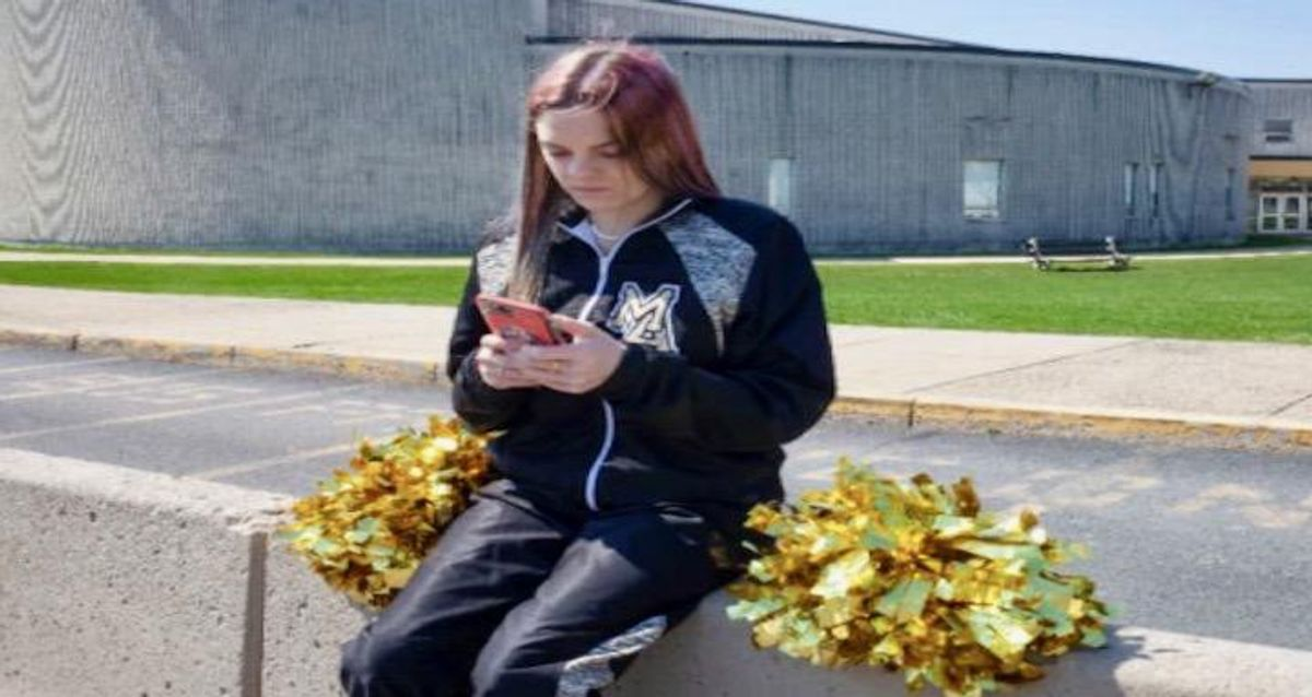 Cheerleader's middle finger to be debated at US Supreme Court