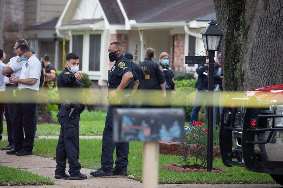 More than 90 people found in Houston home in suspected smuggling case