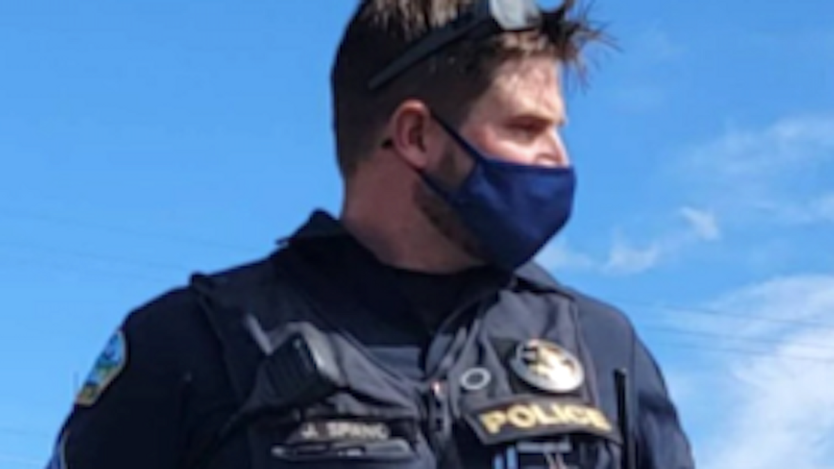 Oregon cop busted for wearing right-wing militia slogan while on duty