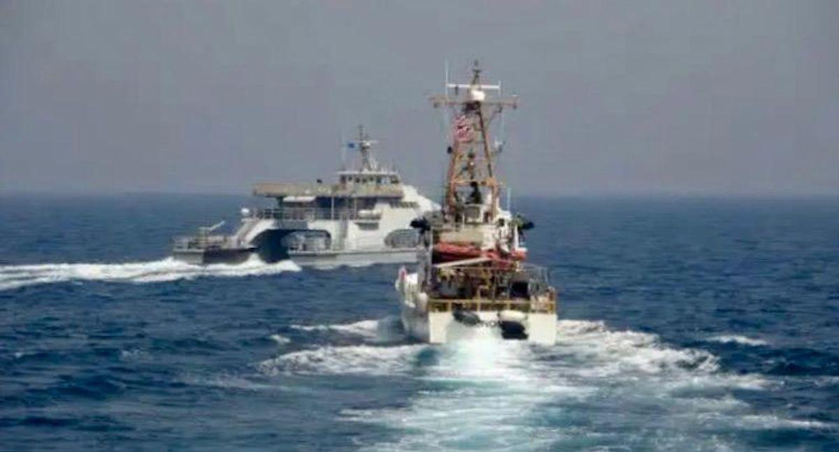 US ship fires 30 warning shots at Iranian boats in Strait of Hormuz: Pentagon