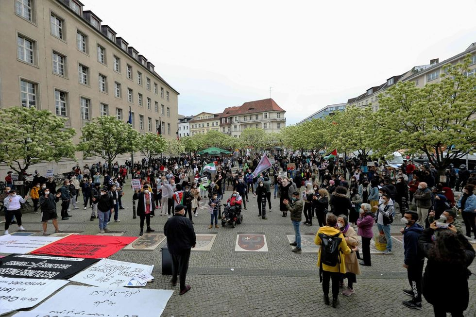 German government vows not to tolerate anti-Semitic rallies