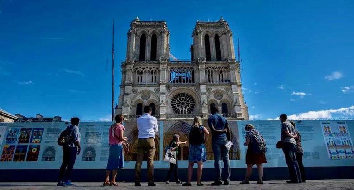 Notre-Dame's square closed over lead pollution risks