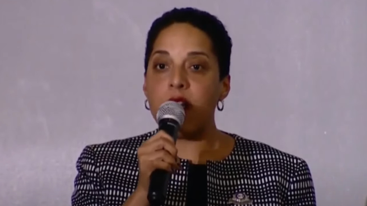 St Louis cop referred to Black district attorney as 'plate lips' in series of racist texts