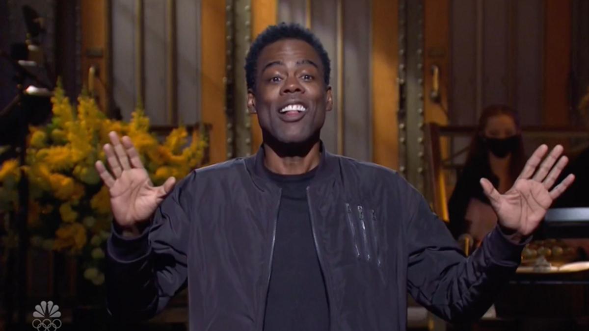 WATCH: Chris Rock hilariously crashes SNL opening skit during season finale