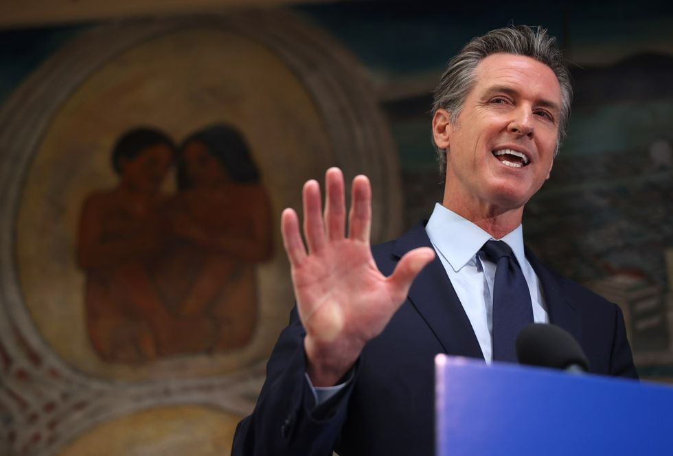 Trump loves to bash California. Why is he quiet on Gavin Newsom's recall?