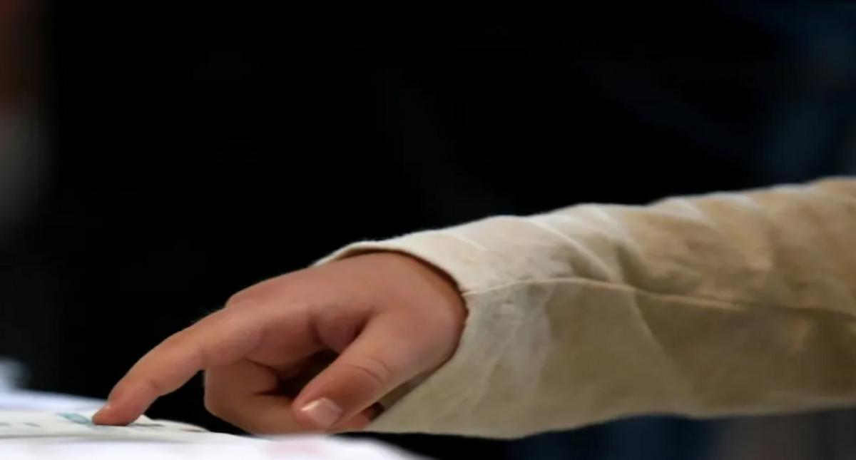 'Charlie Bit My Finger' video fetches $760,000 at NFT auction