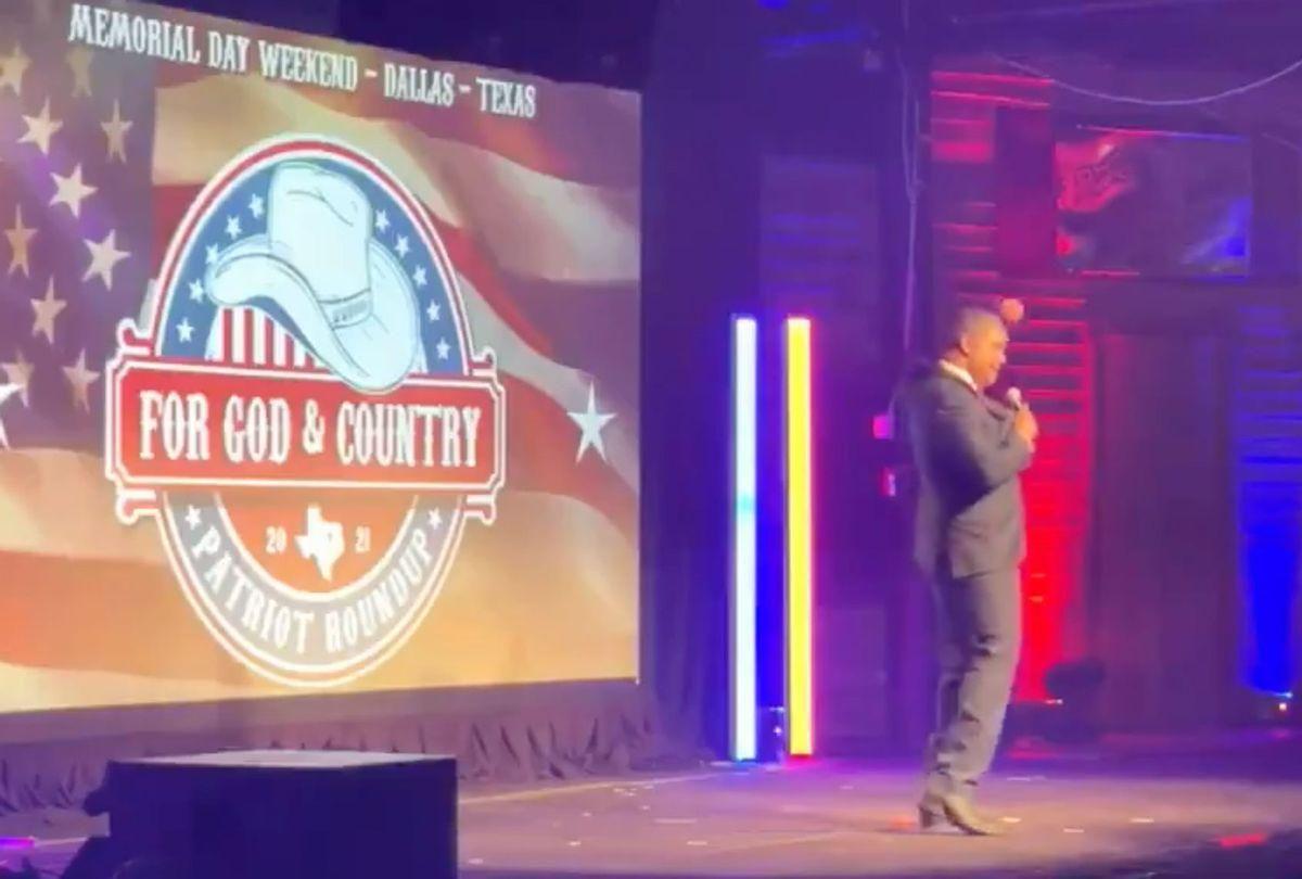 Former Roger Stone advisor makes 'hang Hillary' gesture at Q-friendly Texas gathering