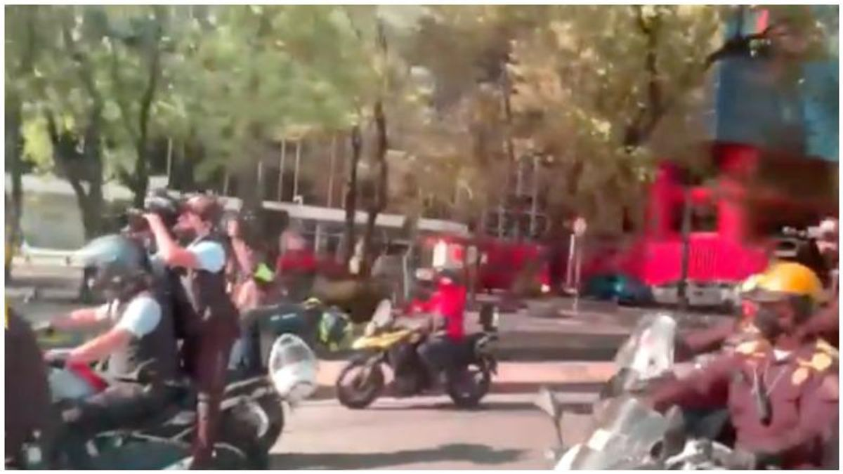 Camera crews swarm Kamala Harris' motorcade as she travels through Mexico City