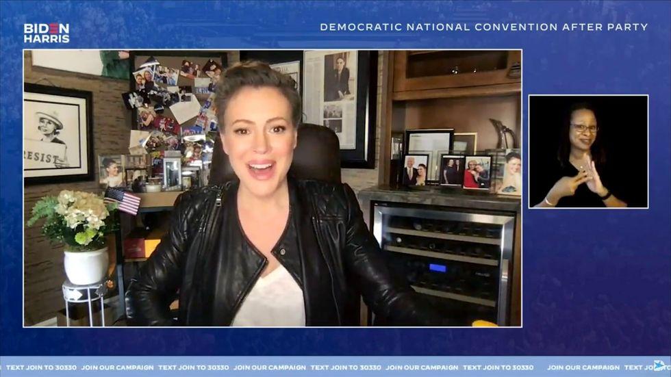 Alyssa Milano 'considering' running for Congress