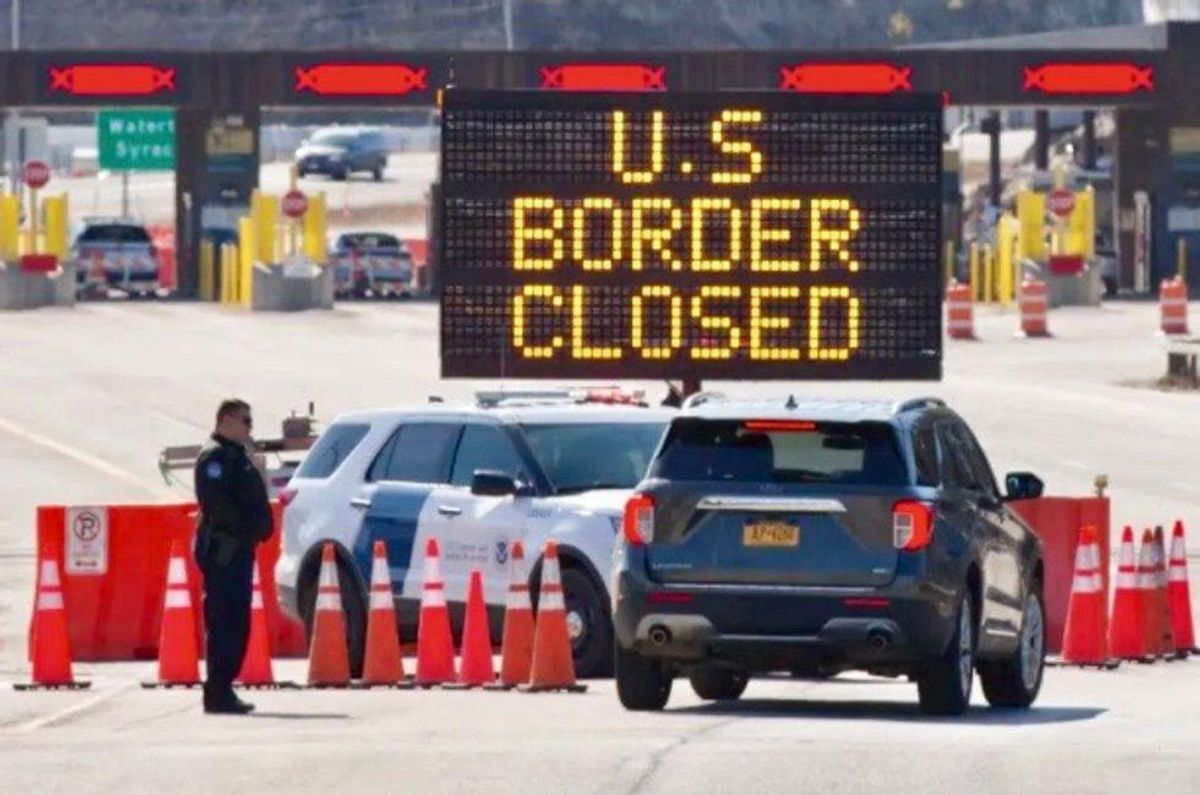 US borders with Canada, Mexico to stay closed due to COVID-19
