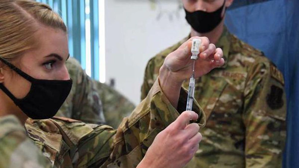 Pentagon to order service members comply with Biden federal employee vaccination requirements: report