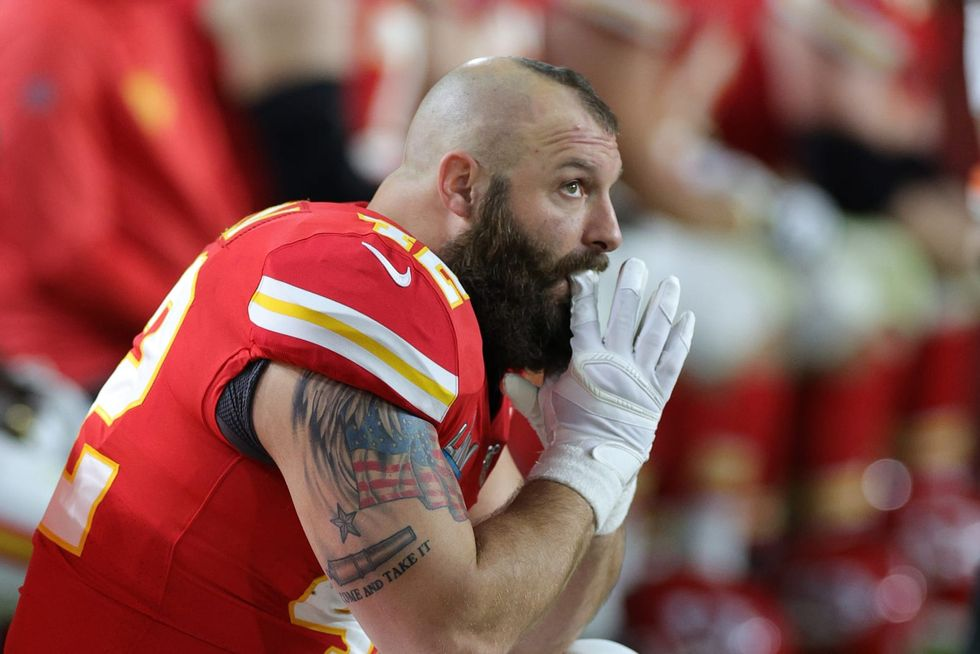 Former NFL fullback Anthony Sherman compares COVID-19 vaccination wristbands to segregation