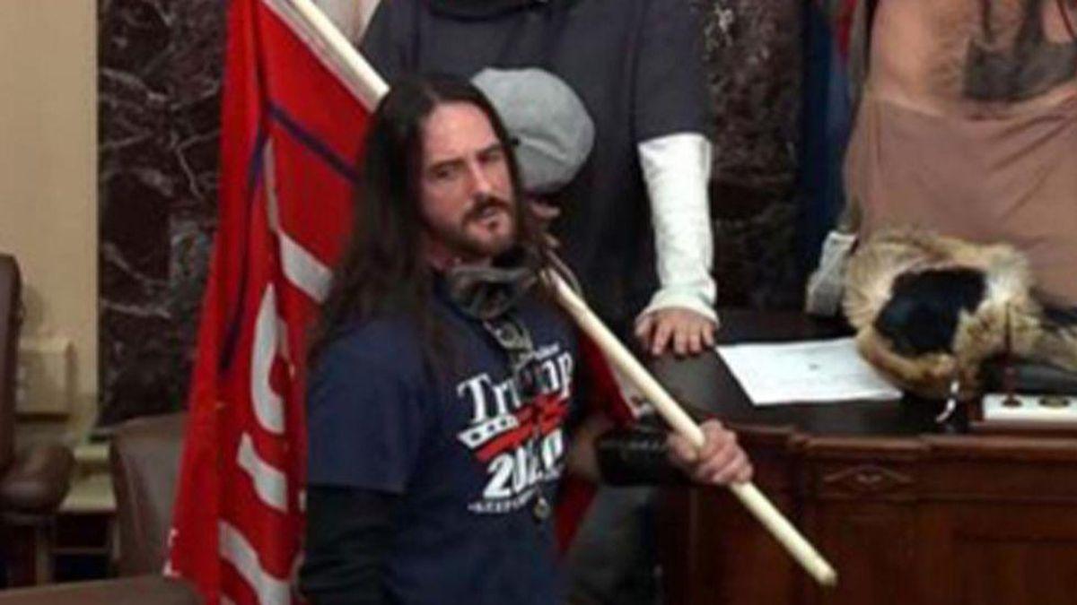 Insurrectionist Paul Hodgkins sentenced to 8 months in prison after judge cites Trump flag