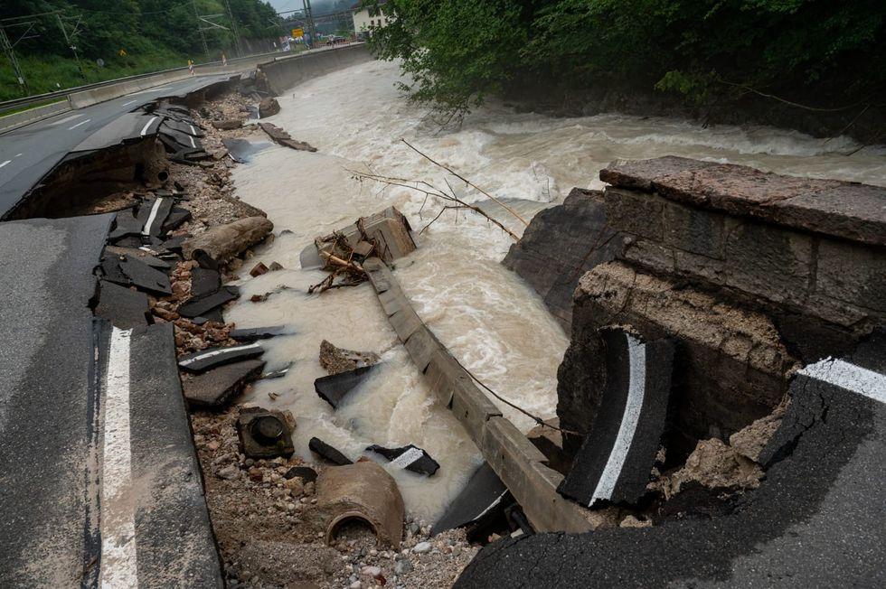 Flood damage to Germany's roads, rail network put at 2 billion euros