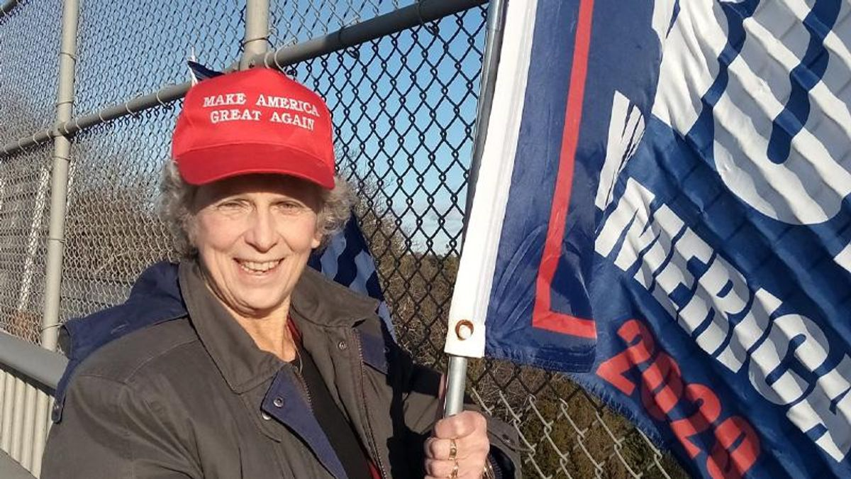 Unvaccinated Trump supporter who spread coronavirus conspiracy theories dies of COVID-19