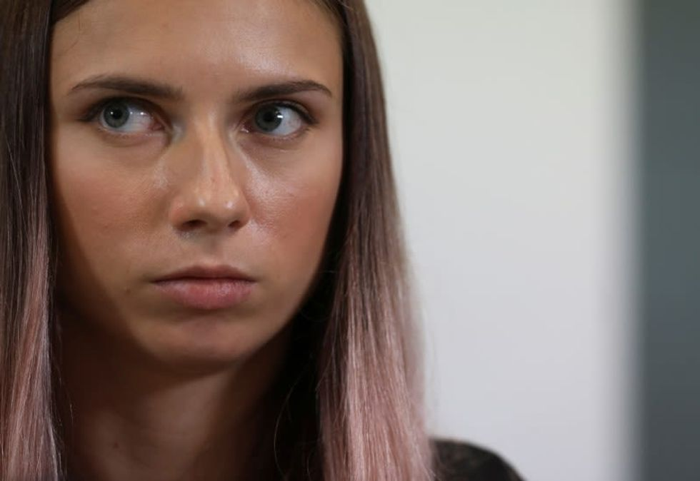 Olympics-Relay controversy key to Belarusian sprinter's defection