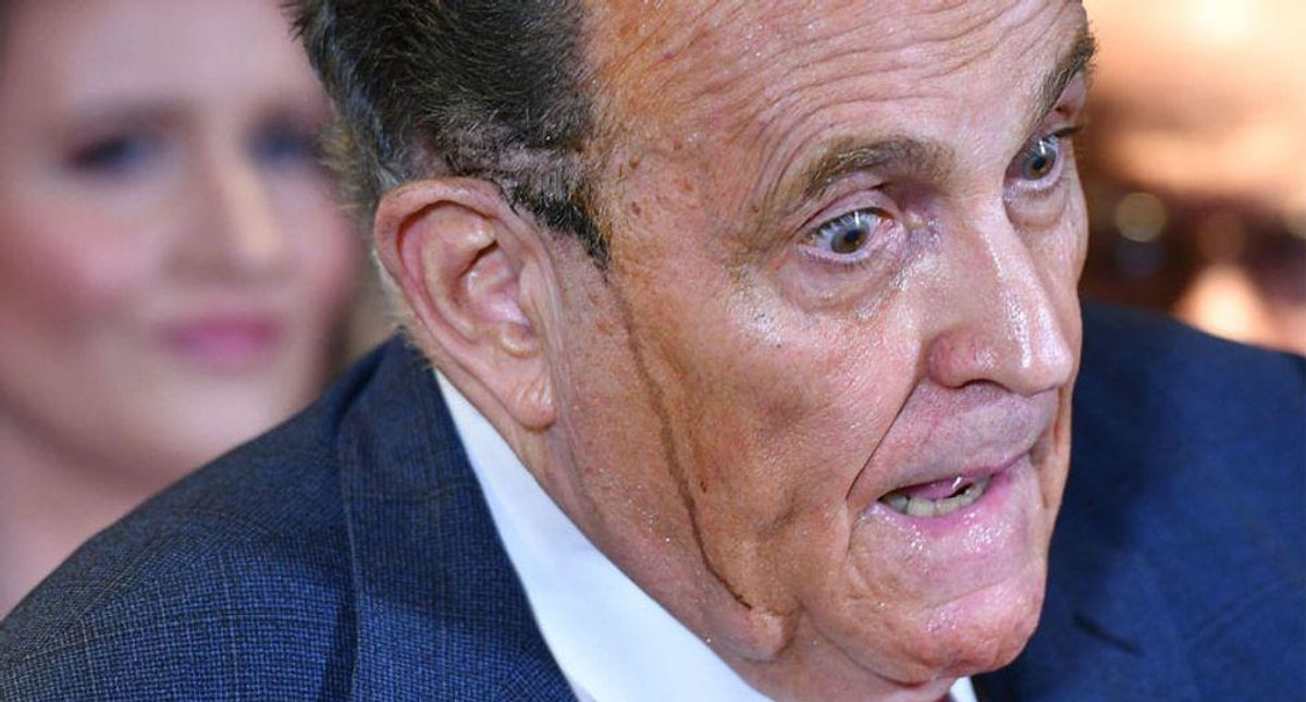 Trump allies refusing to help Rudy Giuliani with his legal woes: report