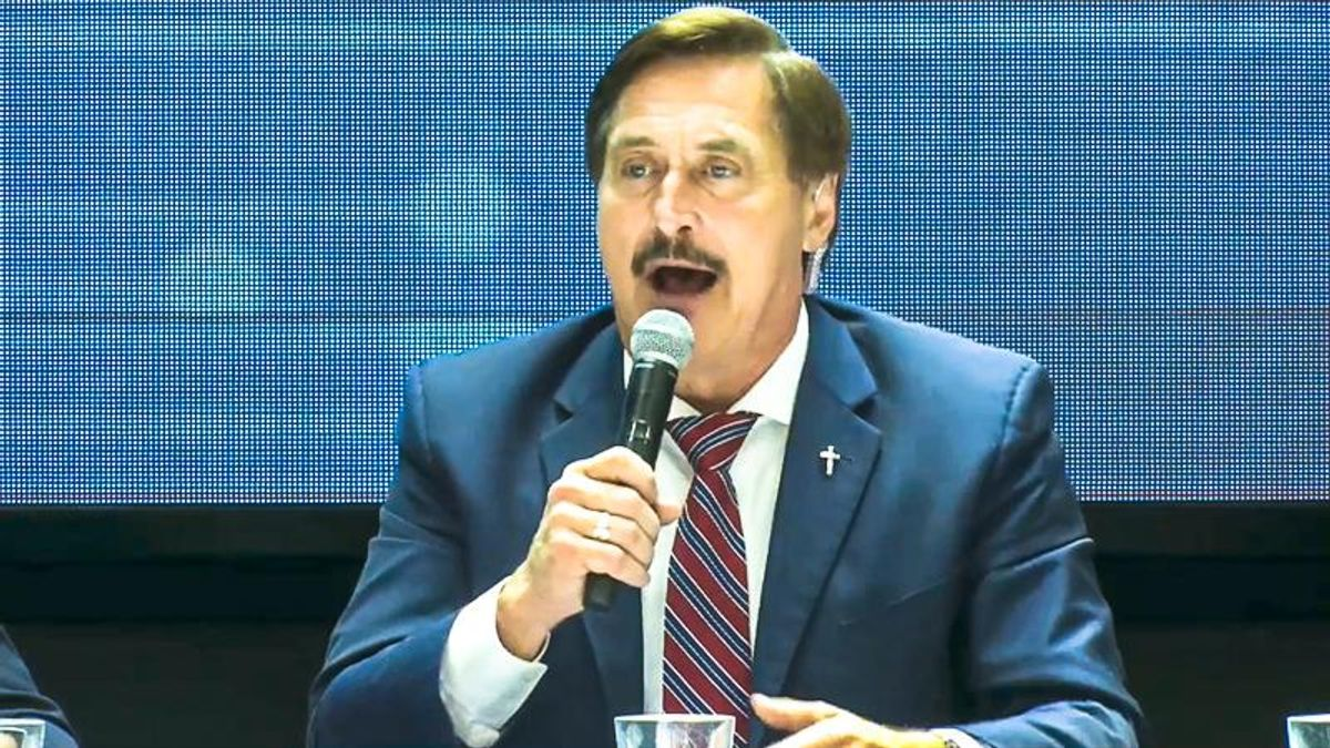 'I'm staying up here for 72 hours': Mike Lindell abruptly cancels food breaks at his 'cyber symposium'