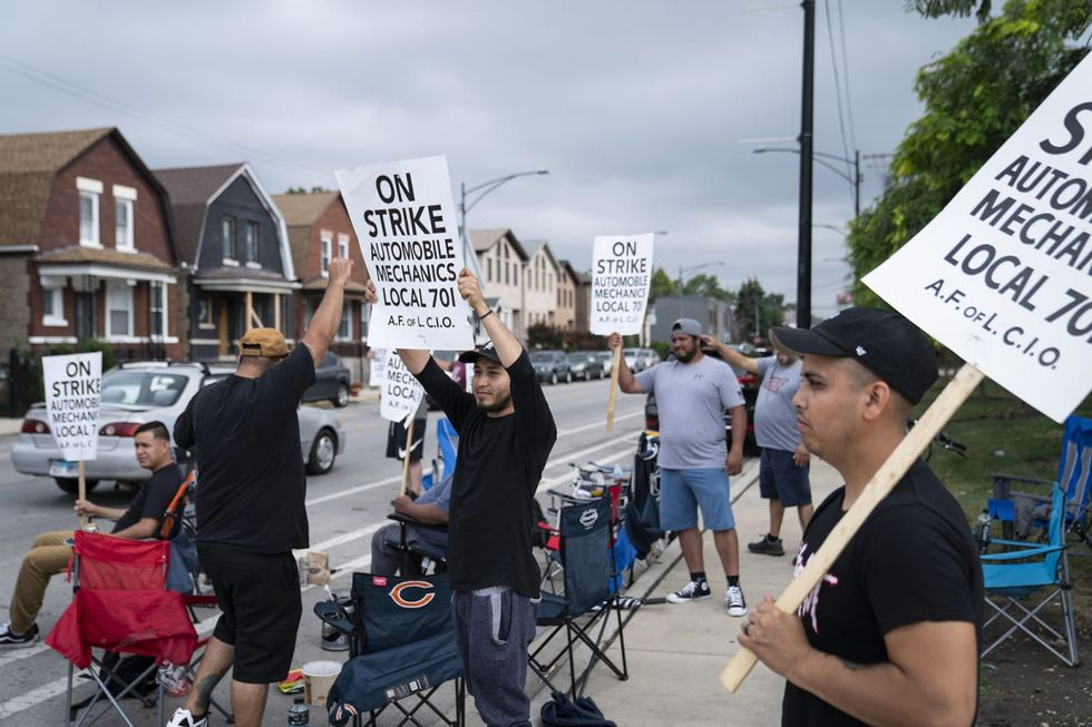 Chicago auto mechanics strike for the second week — shutting down service work at 56 new car dealerships