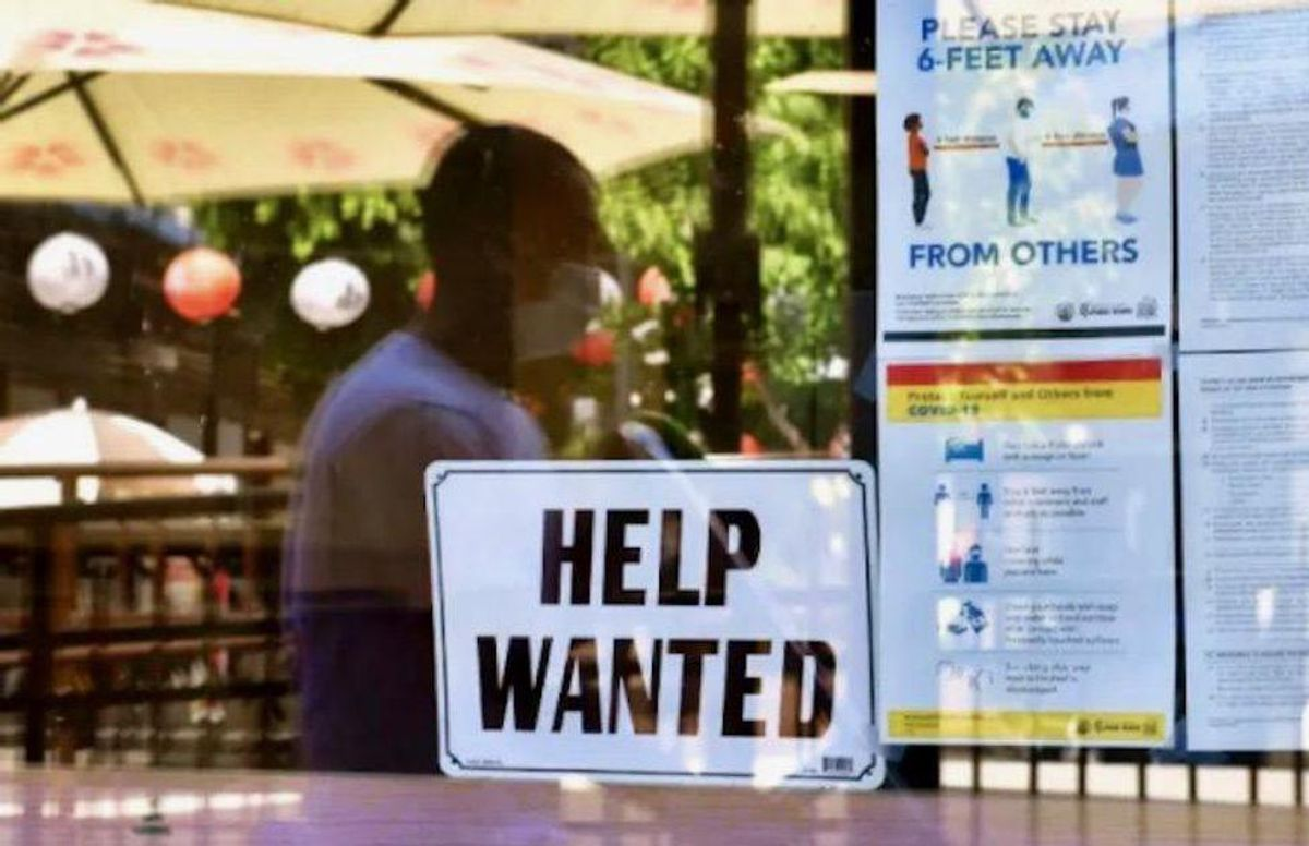 Wages rise in US as companies scramble for staff