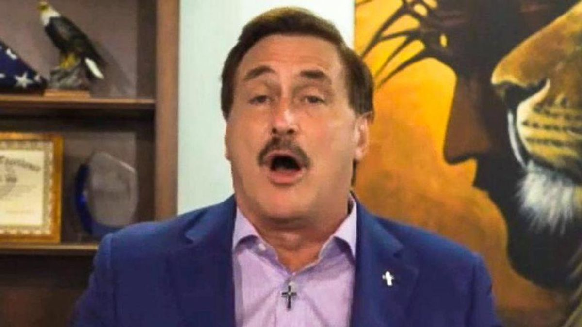 WATCH: Mike Lindell hurries offstage at Cyber Symposium minutes after losing major Dominion lawsuit case