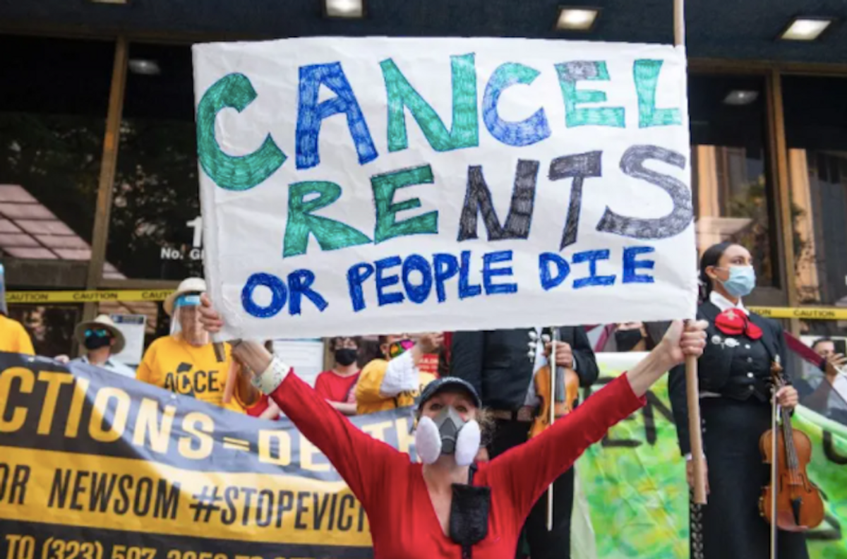 US authorities scramble, trade blame as millions face eviction