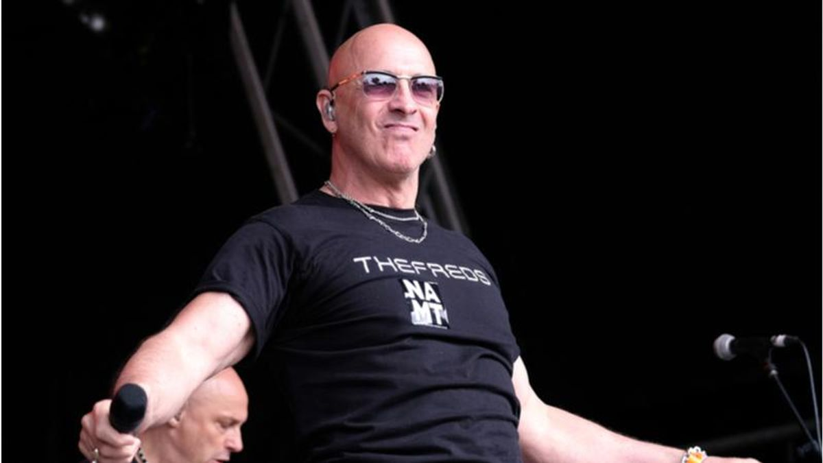'Right Said Fred' singer doubles down on anti-vax stance after being hospitalized with COVID-19