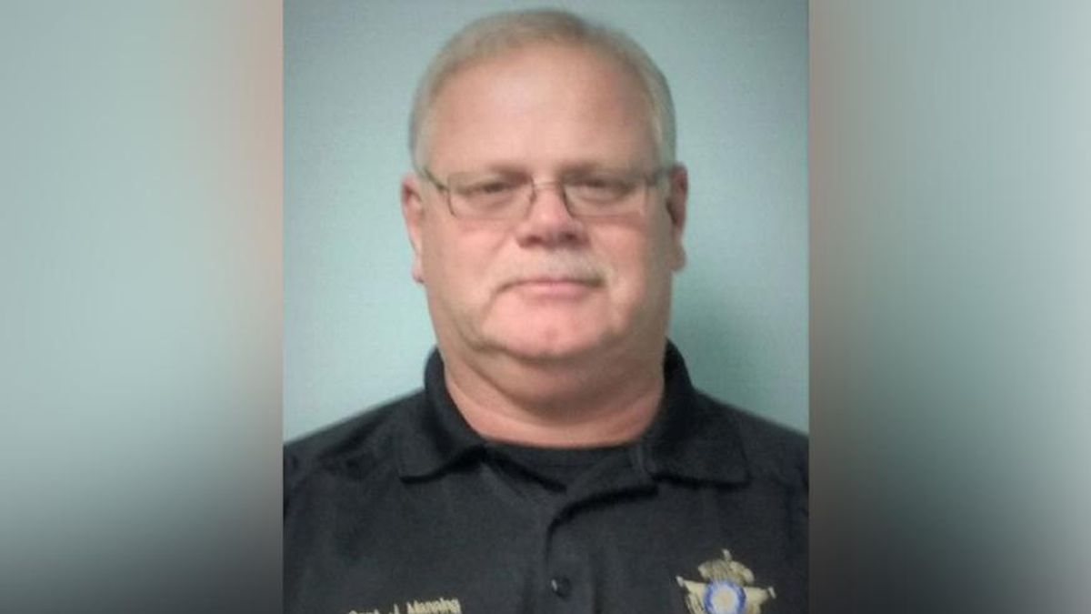Georgia cop who pushed people to take horse dewormer instead of vaccine dies from COVID-19