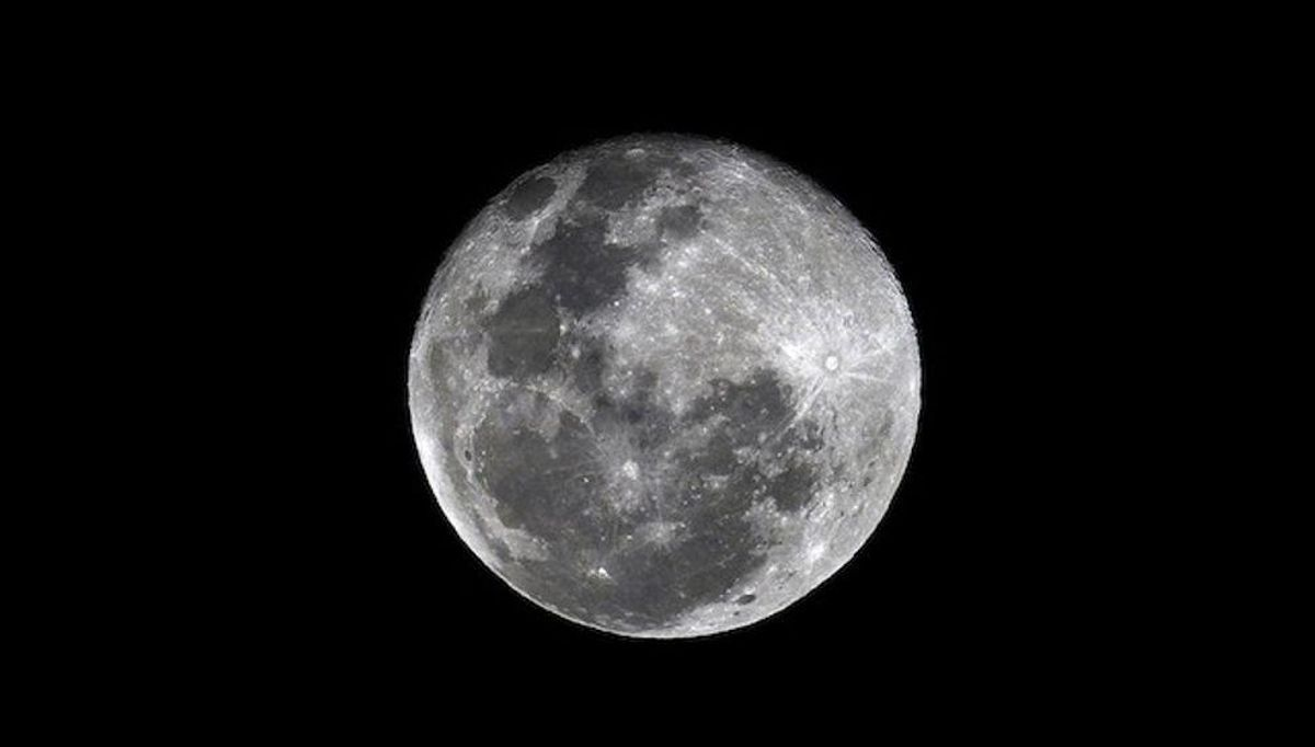 Scientists say a telescope on the Moon could advance physics — and they're hoping to build one