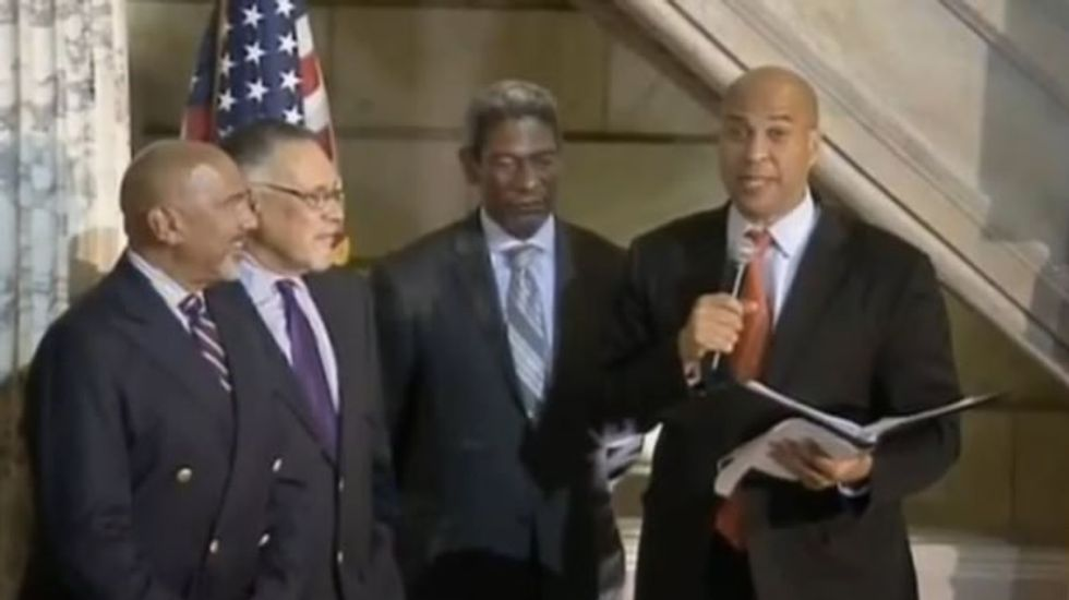 Cory Booker officiates same-sex marriages the minute they become legal in New Jersey