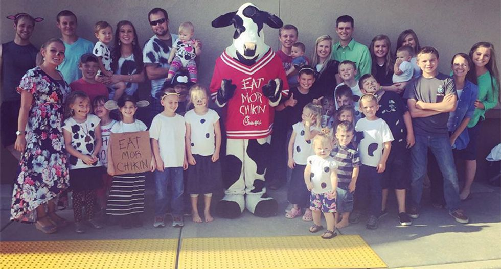 Chick-fil-A forced to feed dozens of Duggars after child molesting Josh dresses up like a cow