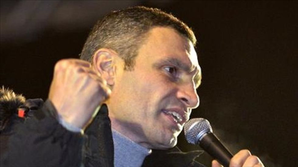 Boxer Vitali Klitschko vacates heavyweight title for Ukrainian presidential run
