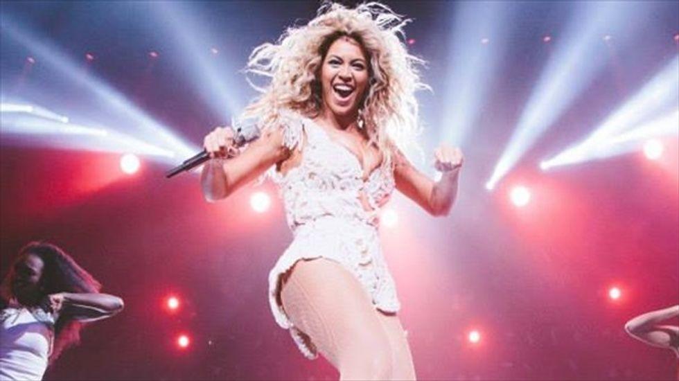 Beyonce's surprise album breaks iTunes sales record
