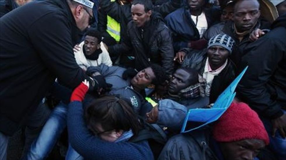 African immigrants protest detention in Israeli facility