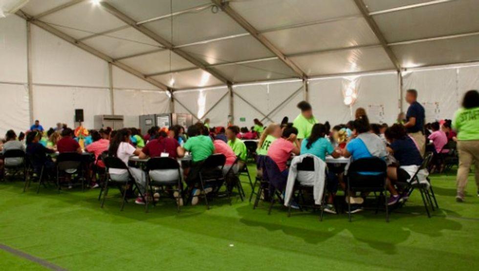 Texas desert tent city for immigrant children balloons in size