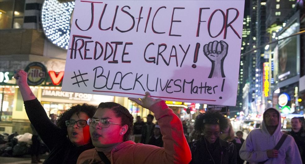 Police documents say Freddie Gray 'was intentionally trying to injure himself': report