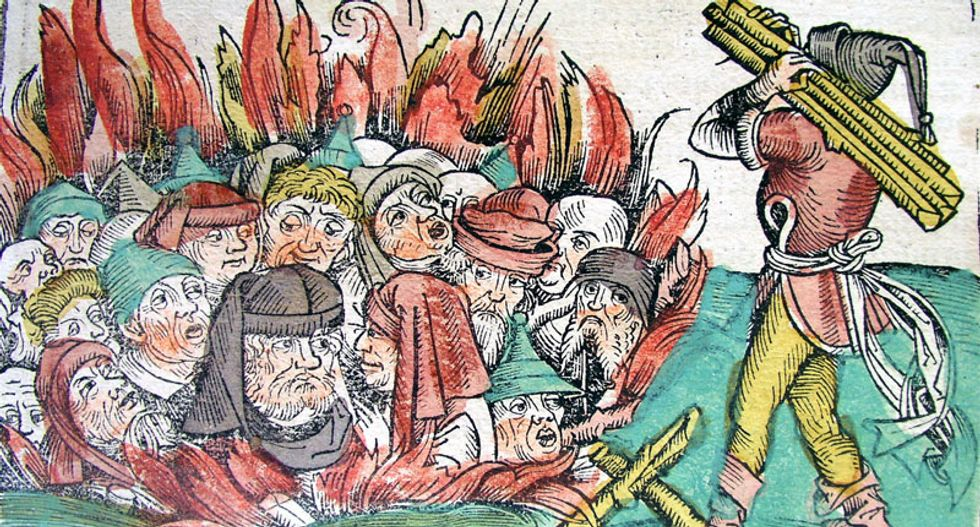 Tolerance and violence: The fate of religious minorities during the plague under Christianity and Islam