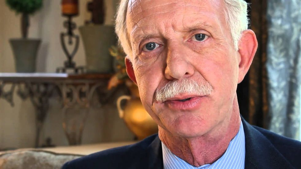 Hero pilot and Republican 'Sully' Sullenberger blasts Trump — without saying his name
