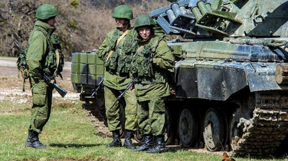 Obama says Russia must 'move back' troops from Ukrainian border